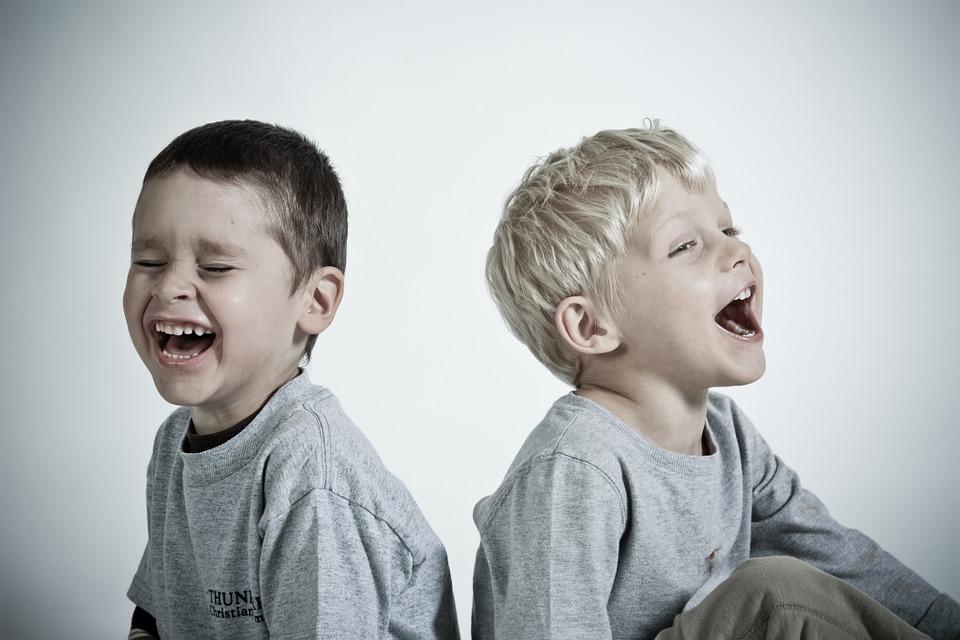 Kisgyermekgondozó, - nevelő OKJ Tanfolyam